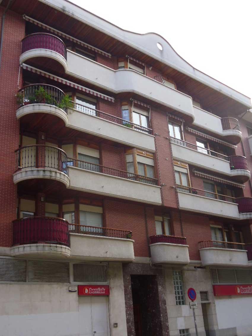 16 viviendas en Ugao Miraballes