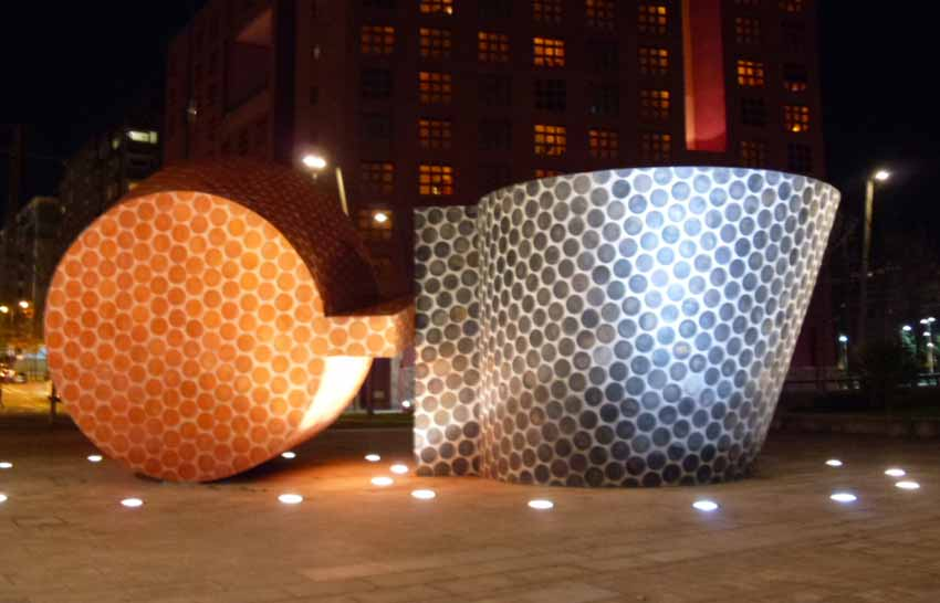 Escultura en Abando Ibarra