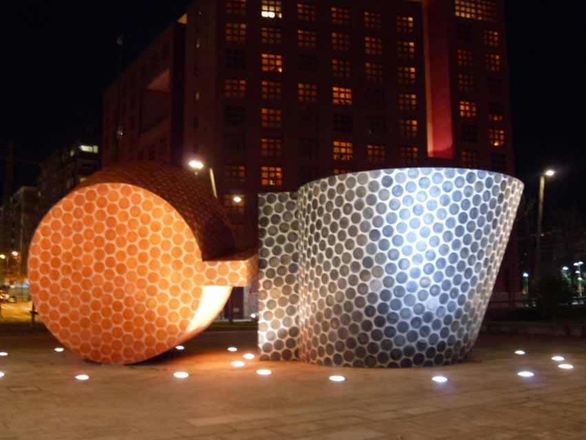 Escultura en Abandoibarra-Bilbao